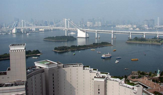東京・レインボーブリッジ