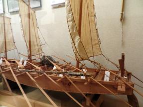 手漕ぎ木造和船
