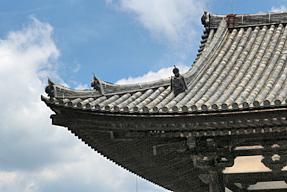 法隆寺・南大門屋根の「軒反り」
