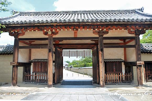 法隆寺・東大門