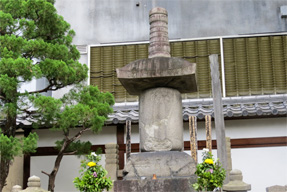 信長の墓所