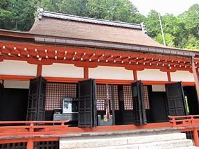 長命寺・三仏堂