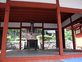 長命寺・護法権現社拝殿