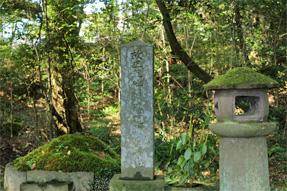 東光寺・楫取道明の墓
