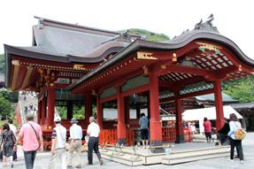 鶴岡八幡宮・舞殿