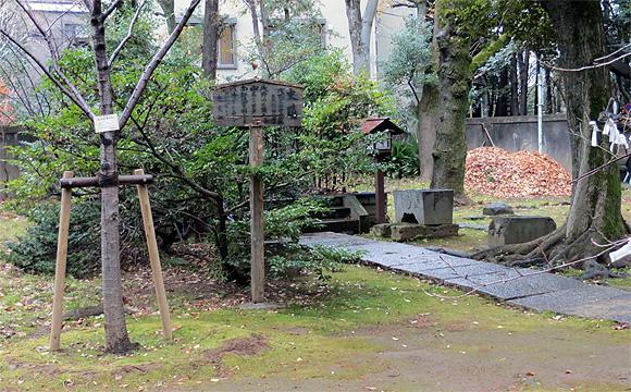 氷川神社・瑤泉院の邸跡