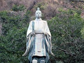 照國神社・島津久光像