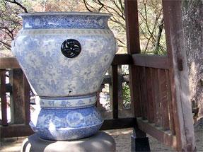 陶山神社・大水瓶