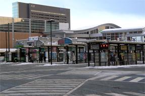 秋田駅前バスターミナル