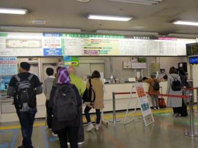 博多バスターミナル・2階高速バス切符売り場