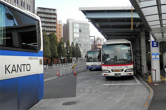 新宿駅JR高速バスターミナル・2番乗り場