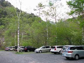 赤石温泉・駐車場