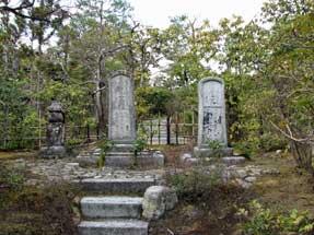 本阿弥家一族の墓