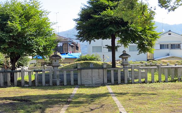 坂上田村麻呂の墓