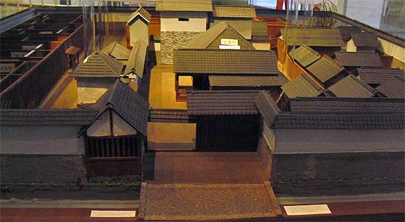 伝馬町牢屋敷模型