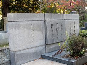 羽仁もと子の墓