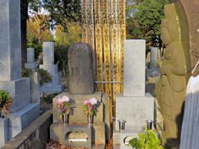 鬼あざみ清吉の墓