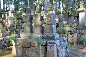 中野氏の墓