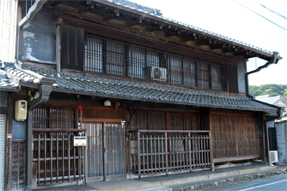 赤坂宿・街道筋の民家