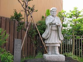 千住宿・細道プチテラス「松尾芭蕉の像」