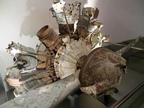 旧日本陸軍98式直協偵察機のエンジン・プロペラ
