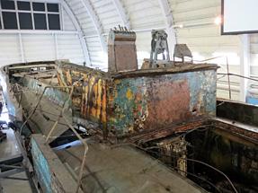 北朝鮮工作船・機関室