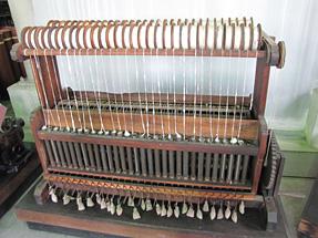 ガラ紡績機(手動式)