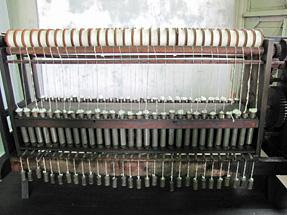 ガラ紡績機(水車式)