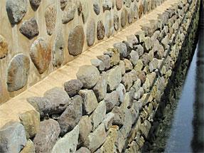 出島の南側護岸石垣