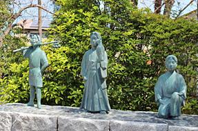 頭陀寺・「豊臣秀吉(藤吉郎)、徳川家康、井伊直政」の像