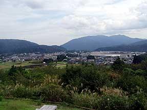 石田三成陣跡から決戦地方面を見る