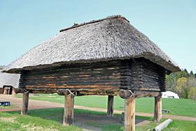 三内丸山遺跡・掘立柱建物