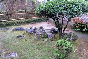 岩崎弥太郎生家・日本列島の石組み