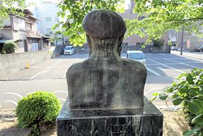 モラエス胸像