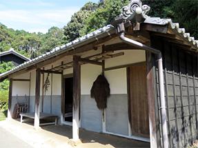 豊田佐吉の生家・納屋