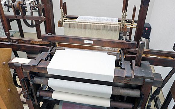 木鉄混製動力織機