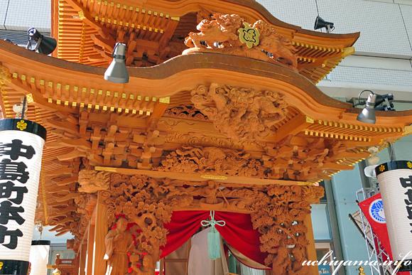 中島町本町の御殿屋台