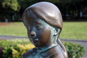 横浜・山下公園にある「きみちゃん」の像