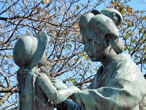 静岡・日本平にある「きみちゃん母子像」