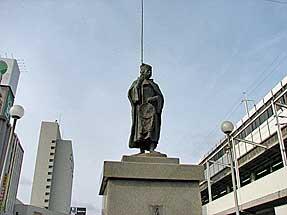 福山駅前・五浦釣人像