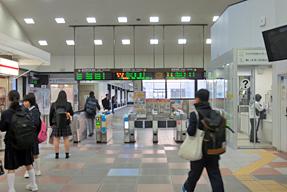 岡崎駅・改札口