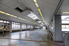 岡崎駅・通路
