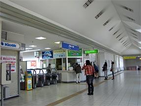桜井駅・JR改札口
