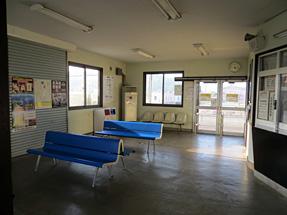 様似駅・待合室