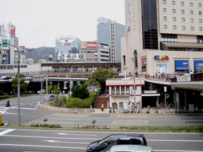 三ノ宮駅・花時計