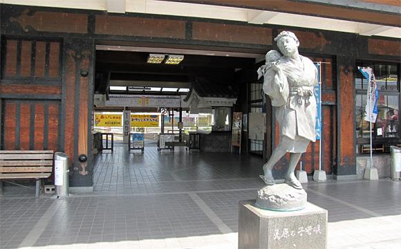 島原駅・「島原の子守歌」の像