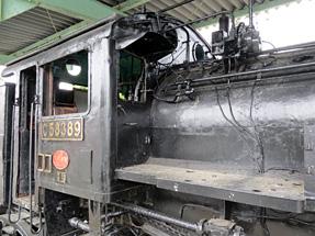 C58形蒸気機関車