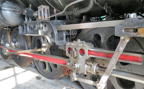 マンモス蒸気機関車