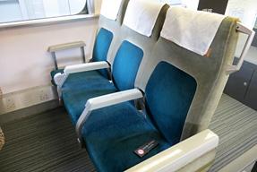 0系新幹線電車・3人掛け普通車座席